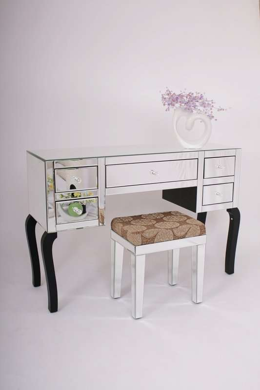 Chic Mirrored Dressing Table